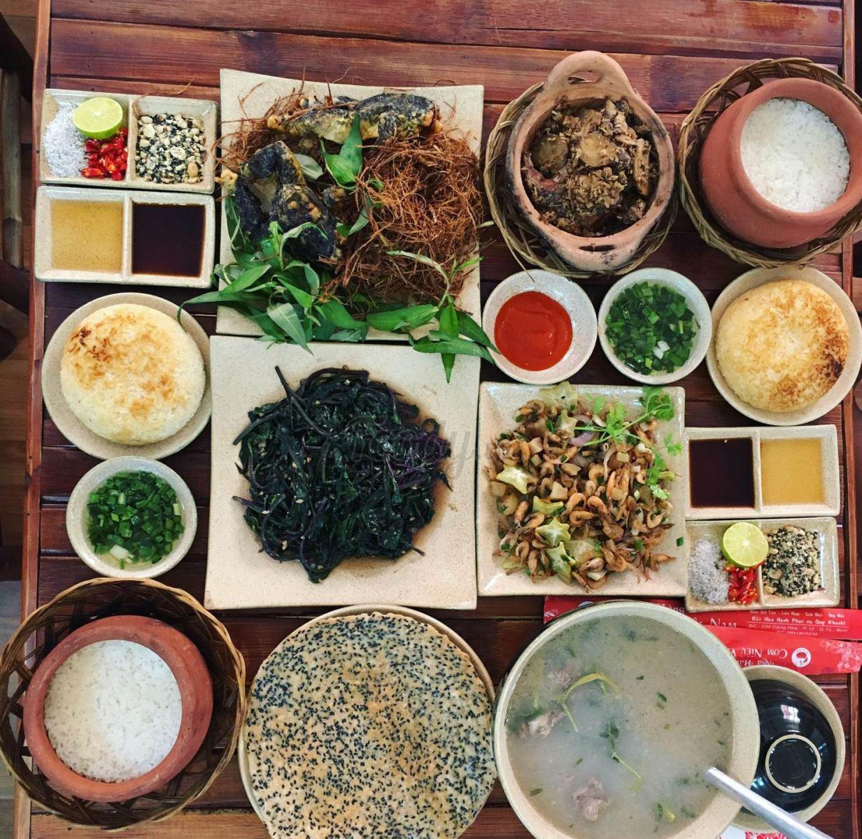 Review nhà hàng có món độc và lạ tại quận Tân Bình